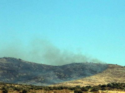 גלבוע: שריפה בסמוך למטווח נורית