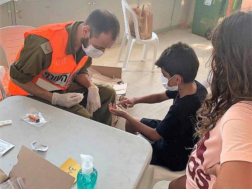 עפולה: העירייה ופיקוד העורף פתחו מתחמי בדיקות סרולוגיות לתלמידים
